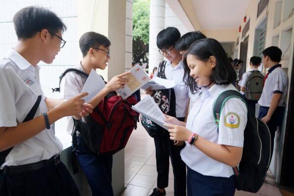 học sinh THCS được miễn học phí theo lộ trình